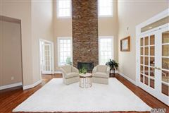 Mansions spacious six bedroom Colonial