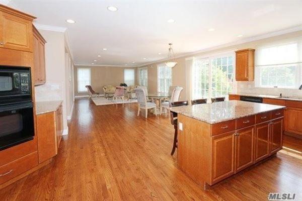 Luxury properties spacious six bedroom Colonial