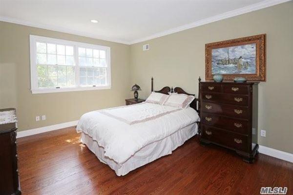 spacious six bedroom Colonial luxury properties