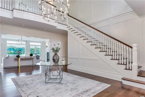 Luxury properties newly designed colonial overlooking Manhasset Bay