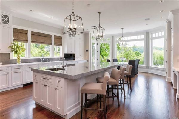 Luxury homes in newly designed colonial overlooking Manhasset Bay