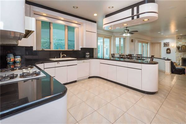Luxury real estate the epitome of modern design