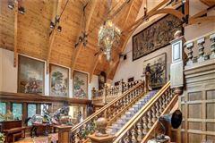 Luxury real estate Sassafras in Lloyd Neck