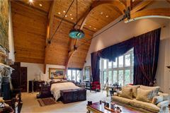 Sassafras in Lloyd Neck luxury properties