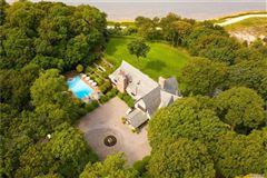 Luxury properties Sassafras in Lloyd Neck