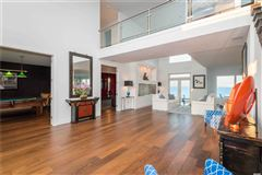 Luxury properties a Gorgeous waterfront property