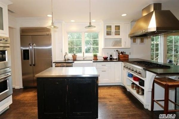 a Beautiful colonial home luxury real estate