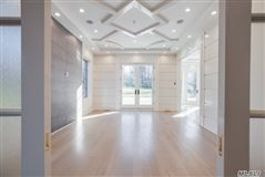 Mansions in dazzling brand new construction