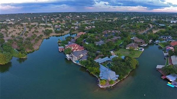 one-of-a kind Lake Flato designed estate luxury properties