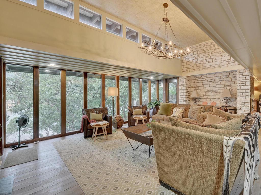 iconic Lake Austin waterfront luxury properties