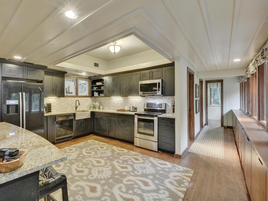 Luxury homes in iconic Lake Austin waterfront