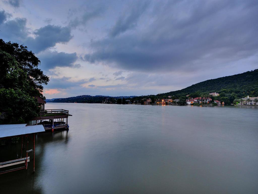iconic Lake Austin waterfront luxury real estate