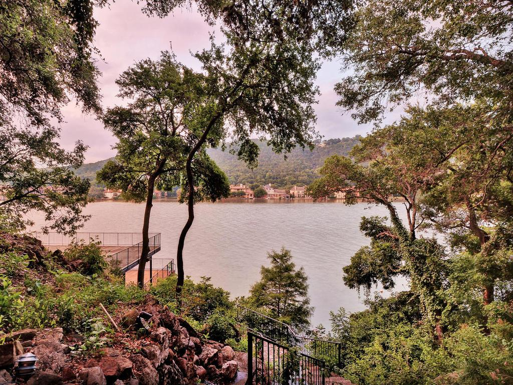Mansions in iconic Lake Austin waterfront