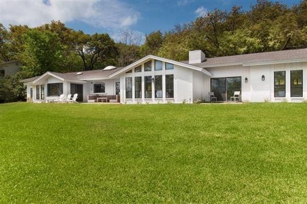 Luxury properties Recently updated mid-century modern home