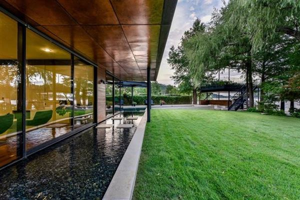 Luxury real estate extensive remodel in a Zen-like lakeside setting