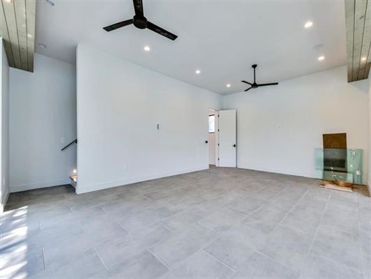New Modern Waterfront Estate in Austin luxury homes