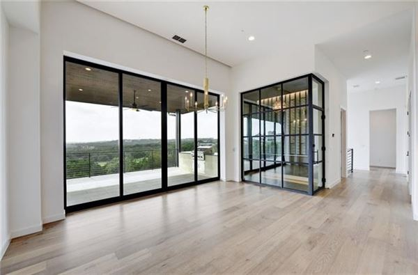 stunning hill country and golf course views mansions