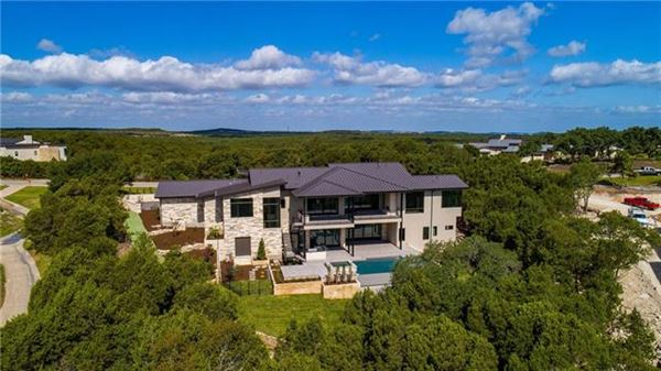 stunning hill country and golf course views luxury properties