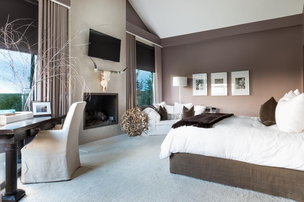 Luxury homes Spanish Oaks estate