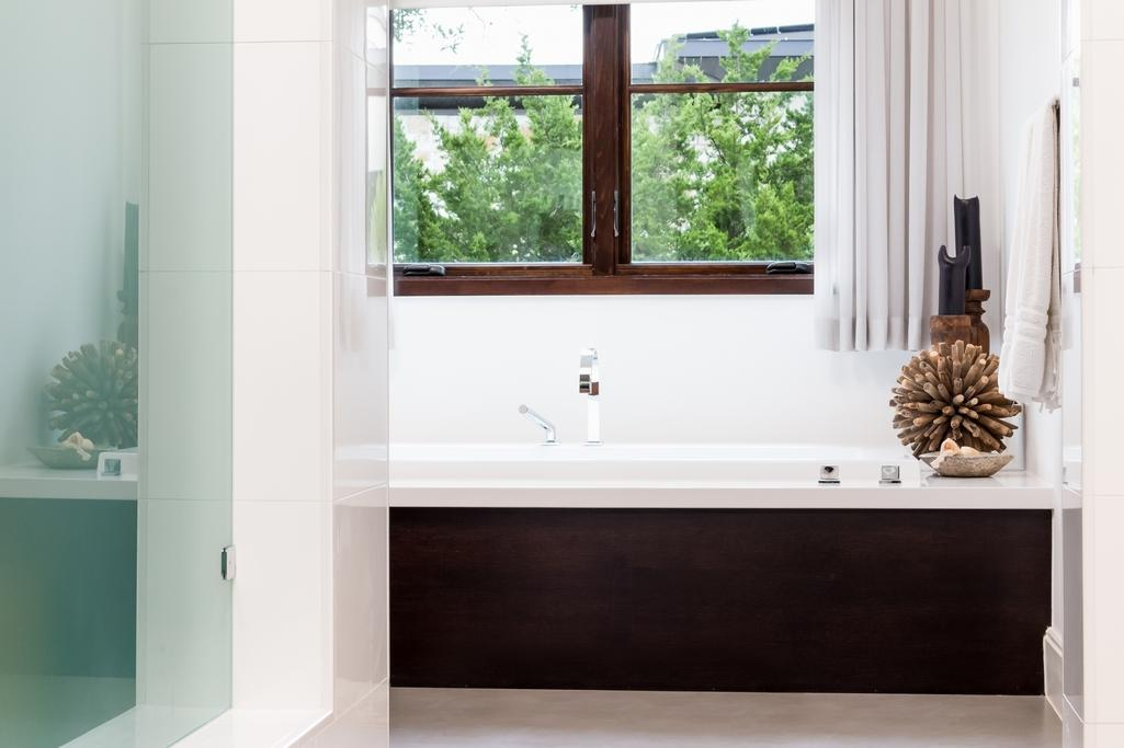 Spanish Oaks estate luxury properties