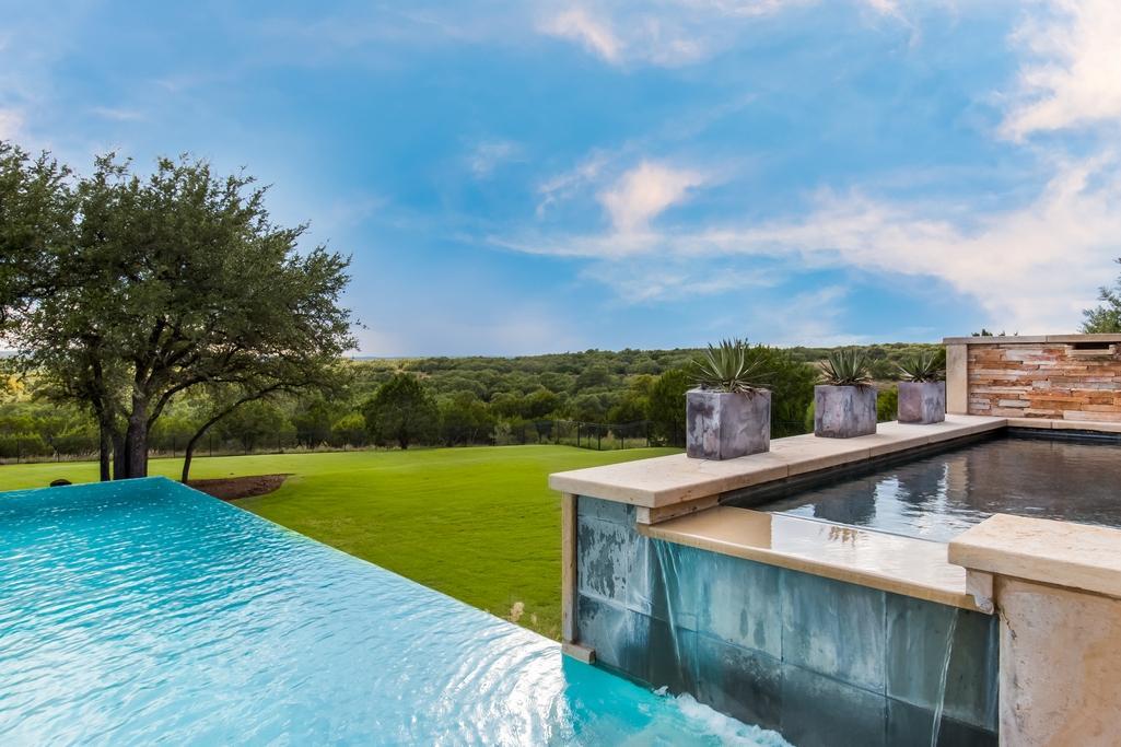 Luxury properties Spanish Oaks estate
