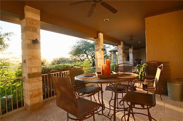 Mansions in AMAZING Lake Travis views
