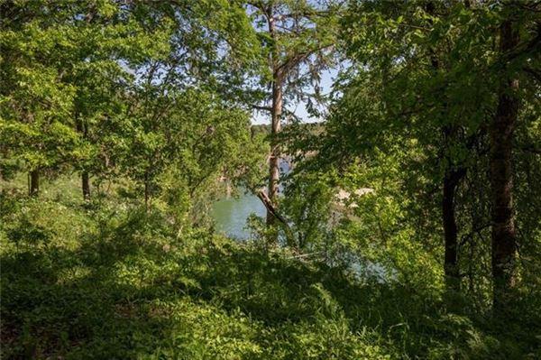 Beautiful 33-acre Riverfront Estate mansions