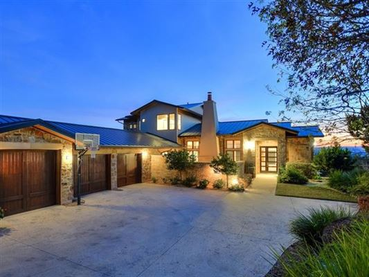 Luxury homes Spectacular home with breathtaking views