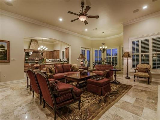 Private, gated 4.7 acre estate in austin mansions