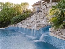 Luxury homes Private, gated 4.7 acre estate in austin