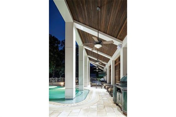 iconic Lake Austin home luxury properties