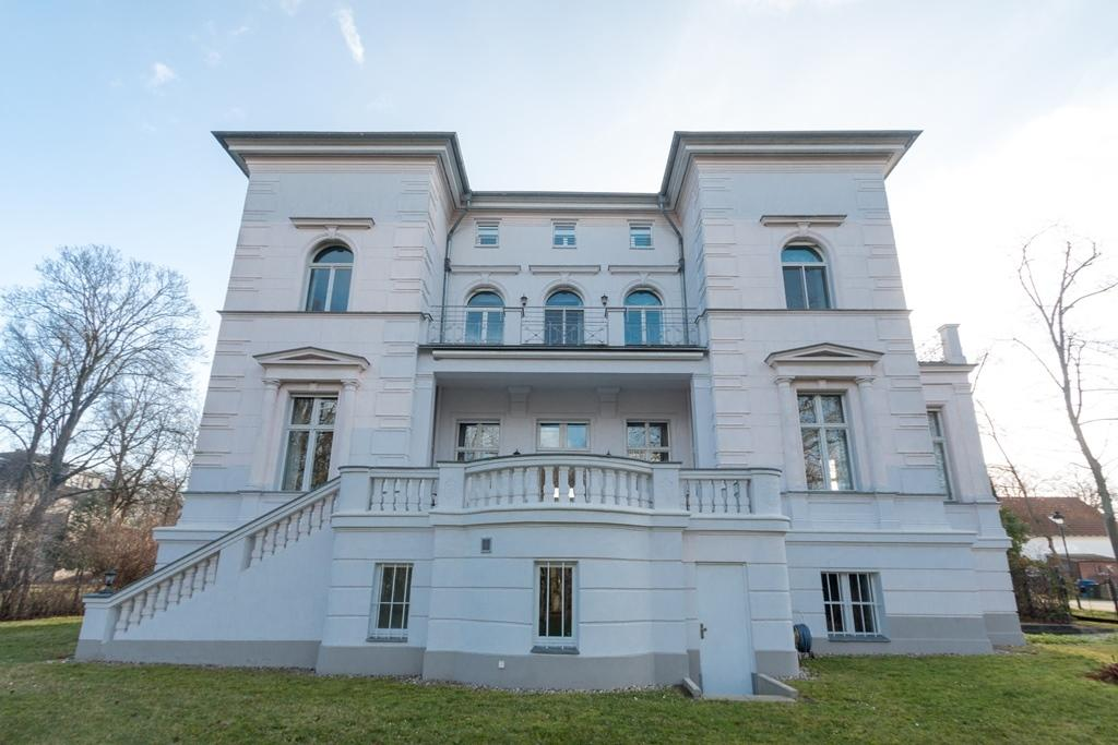 Mansions in MAGNIFICENT WILHELMINIAN STYLE VILLA NEAR BERLIN