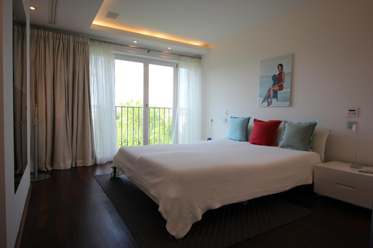Luxury properties Extravagant Penthouse at the Tiergarten