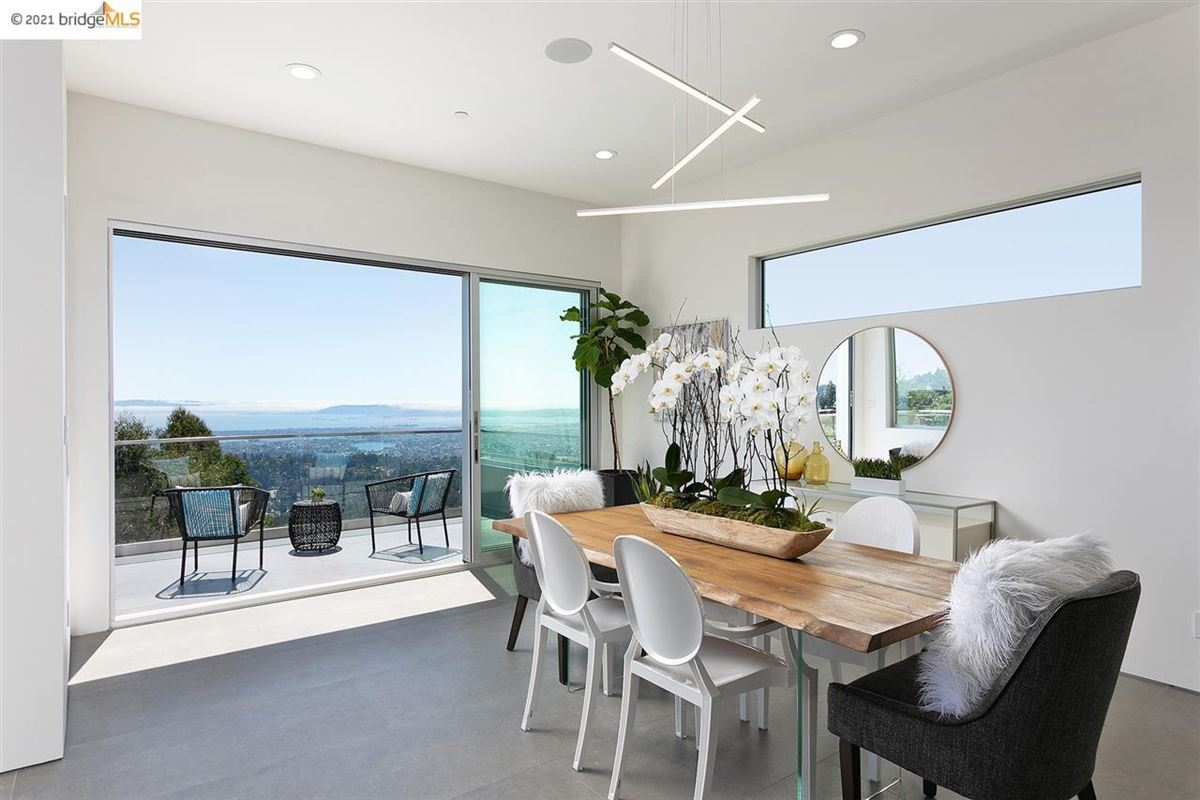 Mansions Stunning new construction with amazing views