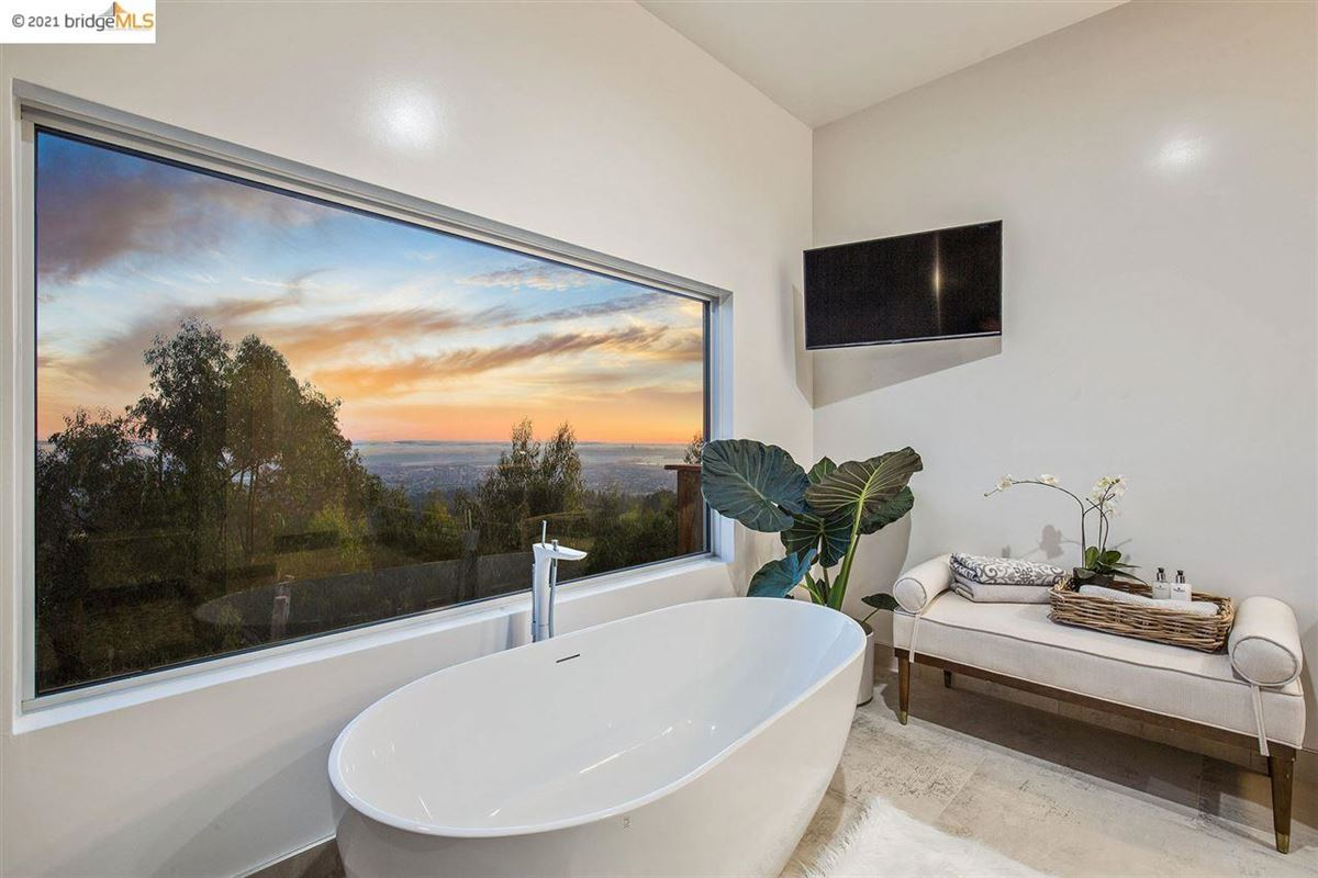 Stunning new construction with amazing views luxury properties