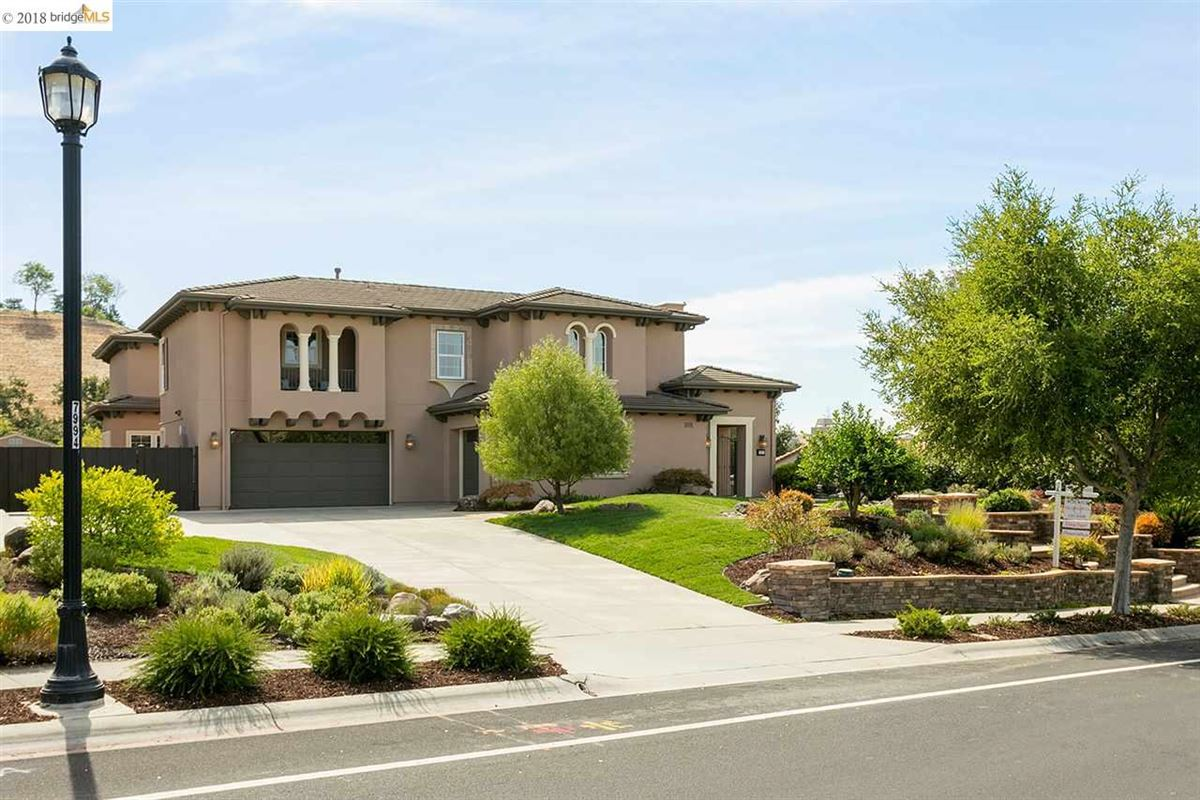 Mansions live the good life in Sycamore Heights