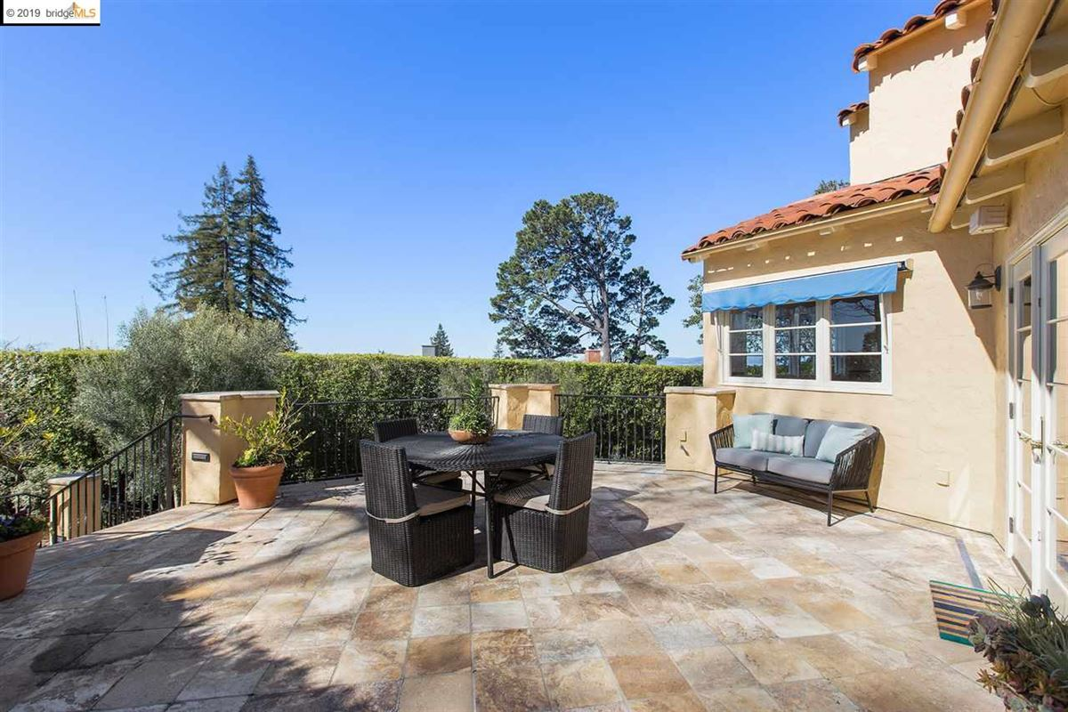 Mansions  impeccably updated home