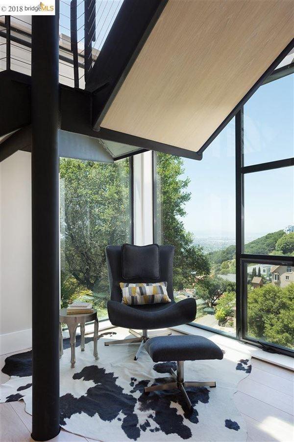Stunning ultra-modern new construction house luxury homes
