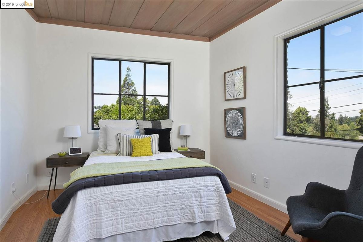 beautifully renovated single-level home luxury real estate