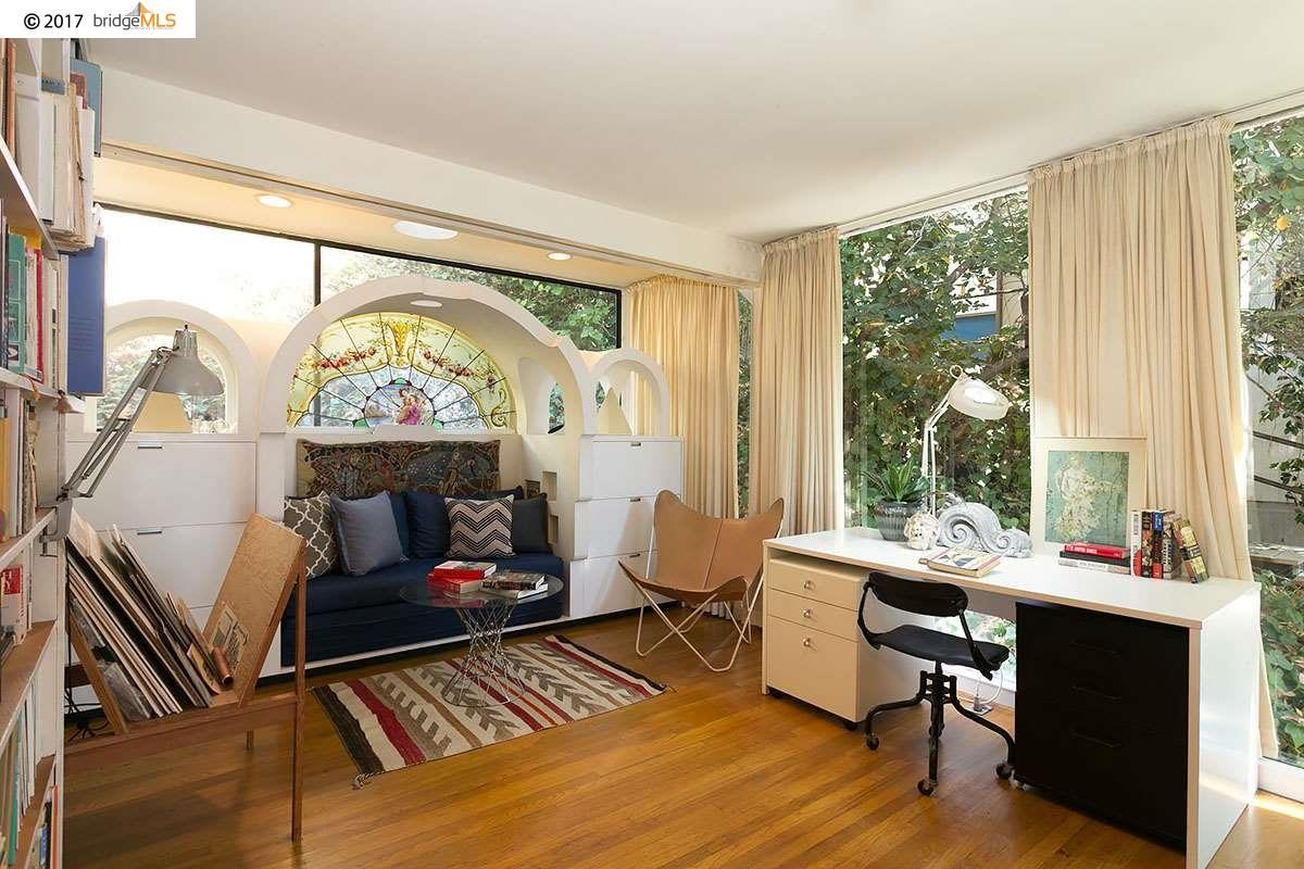 Luxury properties the Donald and Helen Olsen House