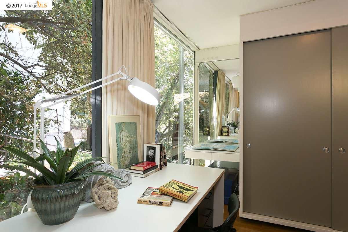 the Donald and Helen Olsen House luxury properties