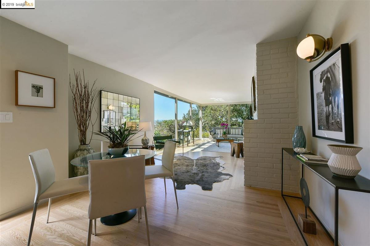 Luxury homes in highly stylized, Mid-Century Modern