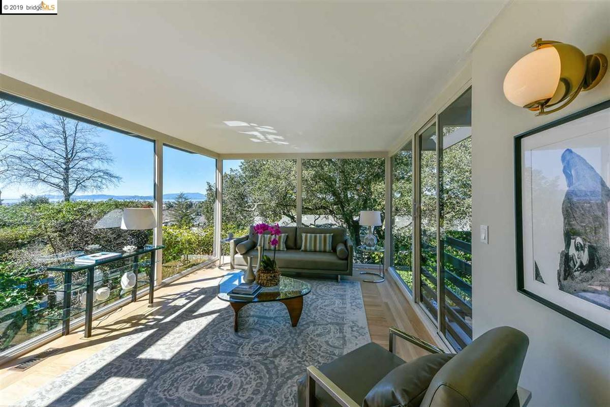 Mansions in highly stylized, Mid-Century Modern