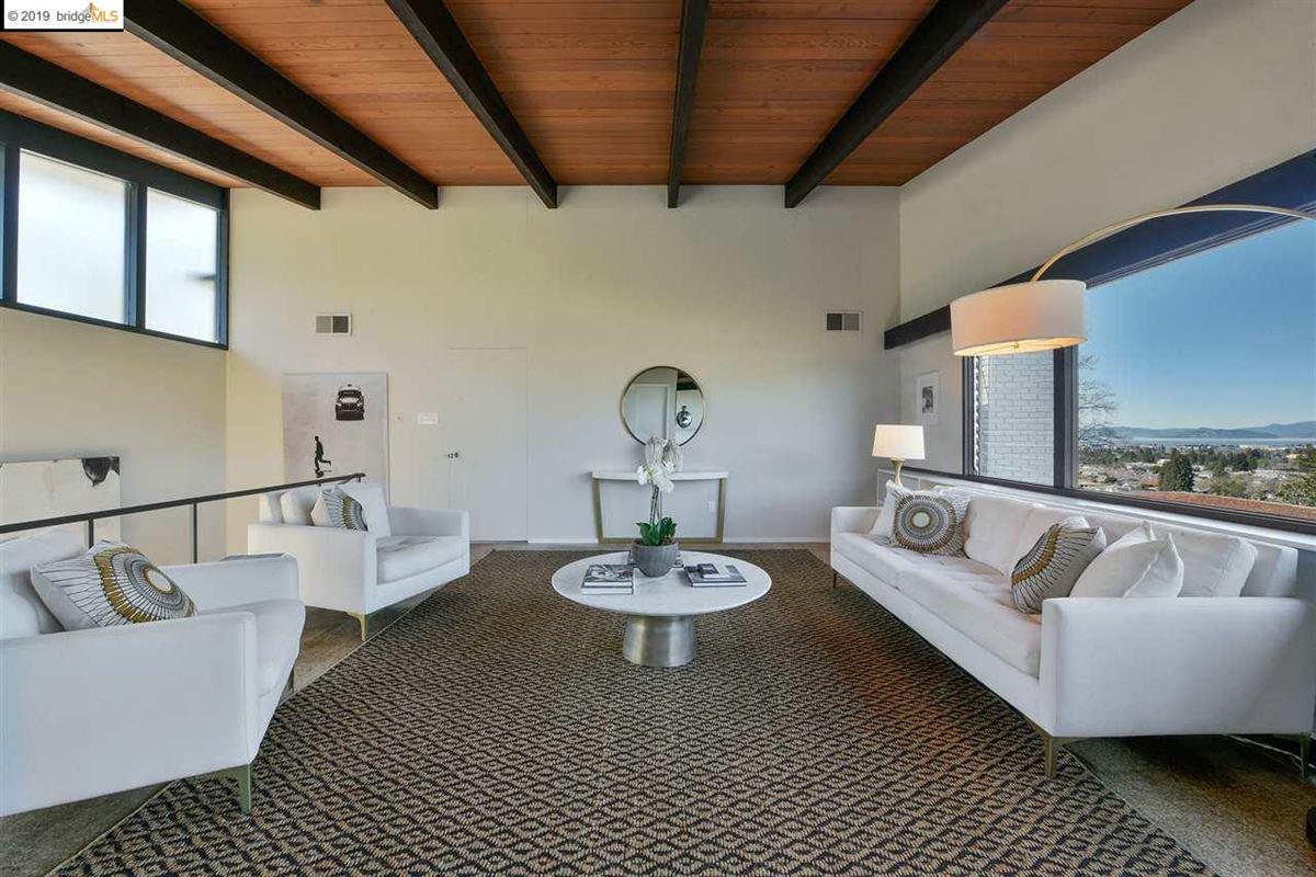 Luxury properties highly stylized, Mid-Century Modern