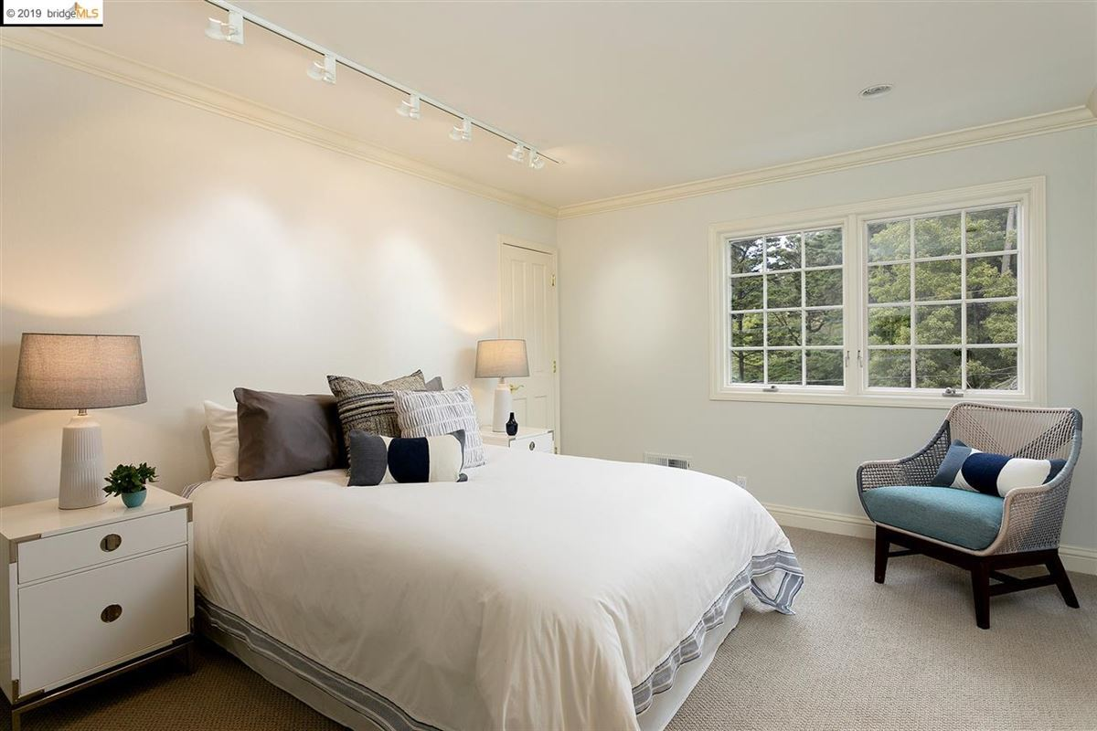 a perfect balance of grand scale, elegant finishes and modern amenities luxury properties