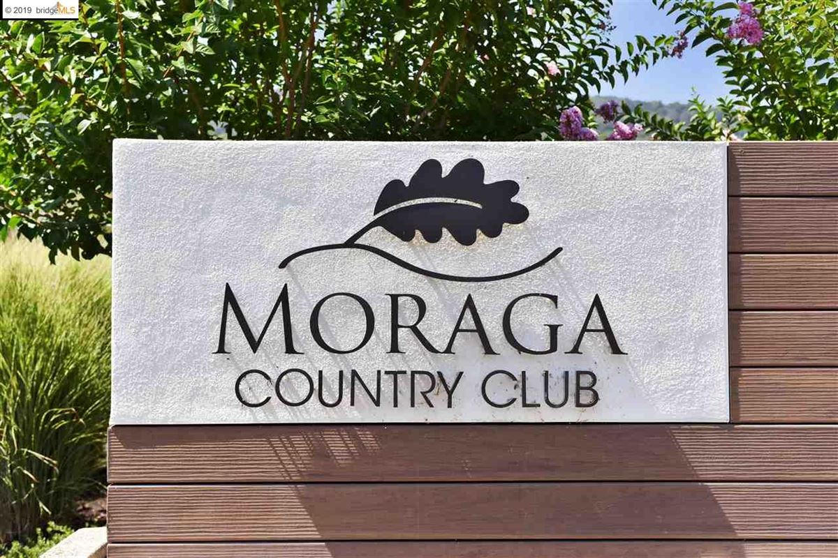 Spacious Moraga Country Club home luxury properties