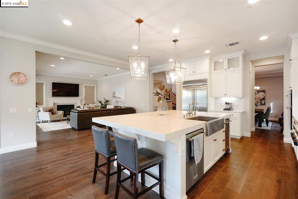 Luxury homes in elegant home in esteemed Alamo Creek
