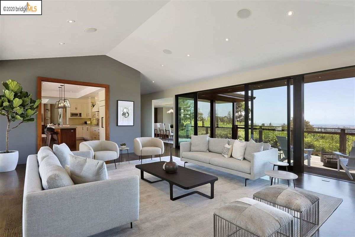 Luxury homes tranquil mid-century modern residence