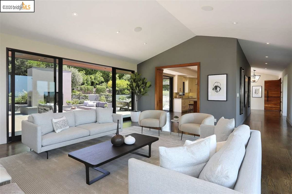tranquil mid-century modern residence luxury homes