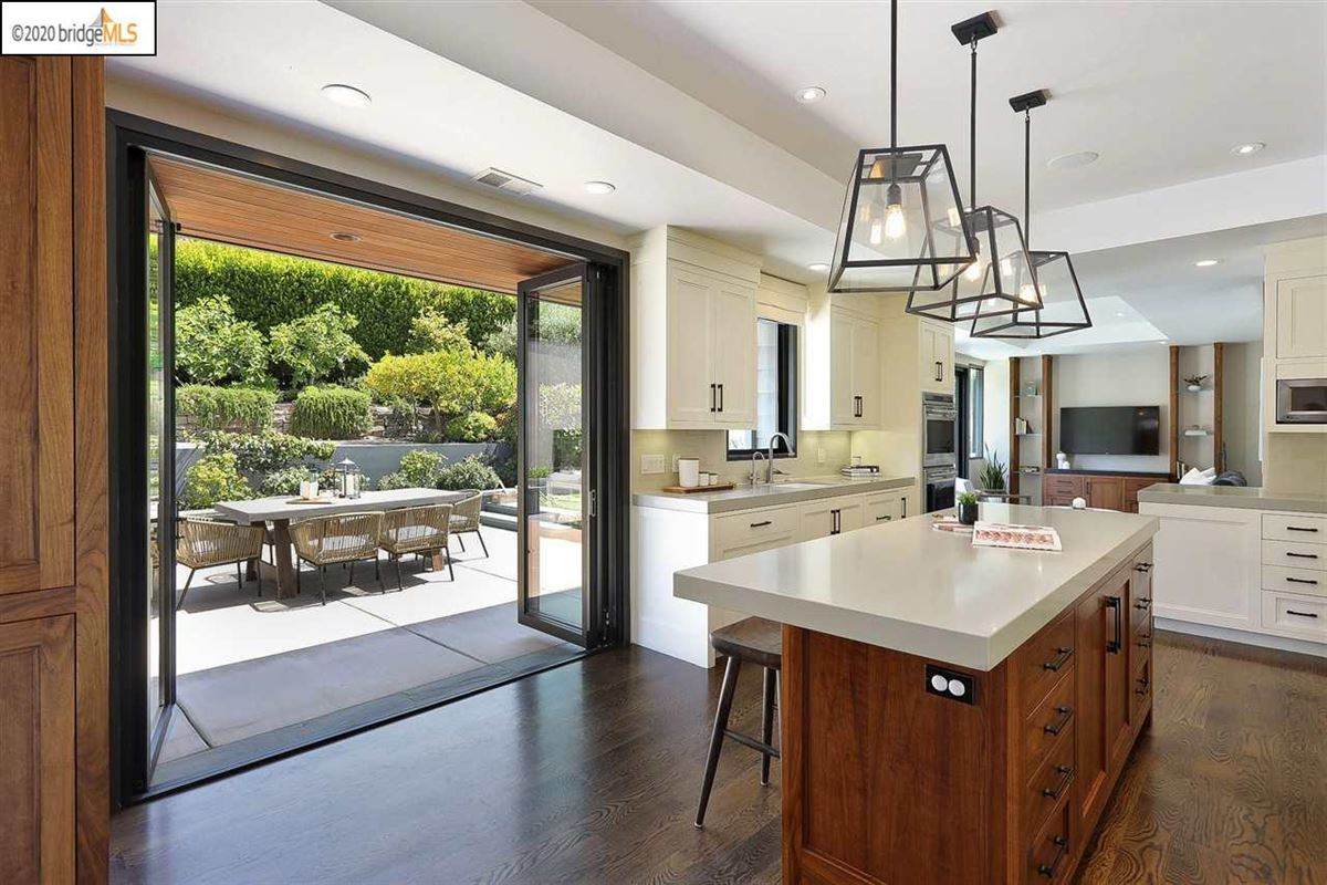 Luxury properties tranquil mid-century modern residence